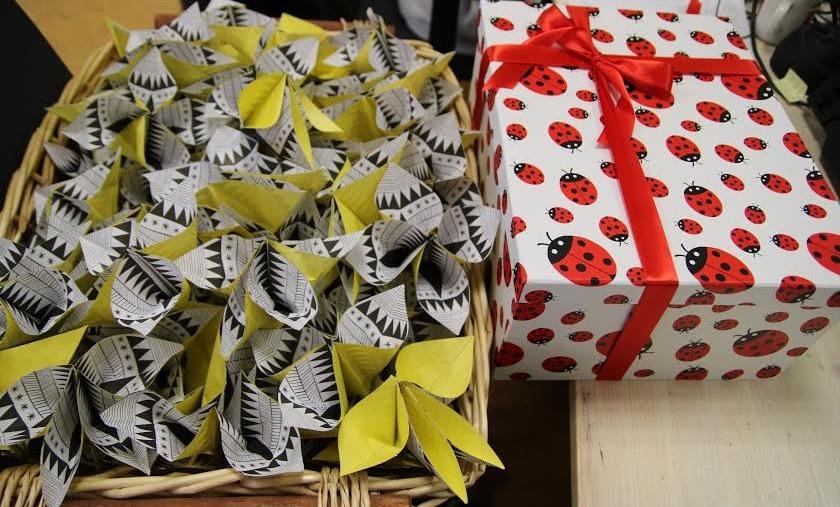 Spose bambine, Amnesty: consegnati oltre 50.000 firme e 15.000 origami