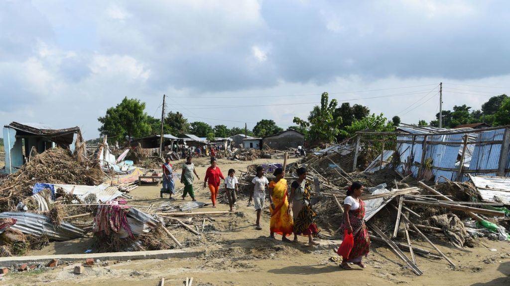 Asia meridionale: 16 milioni di bambini colpiti da enormi inondazioni
